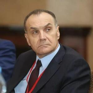Vladimir Manaenkov