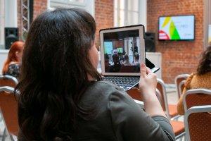 На связи офлайн и онлайн, или Как стать участником деловых мероприятий ИД «СФЕРА»