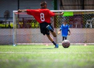 Lay's строит по всему миру футбольные поля для детей